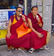 TIBETAN-MONKS-by-Veronica-Hill