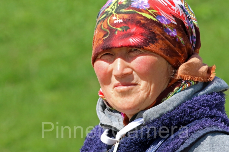 KAZAKH-WOMAN-by-Larry-Hurst