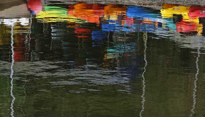 004 derwent colours