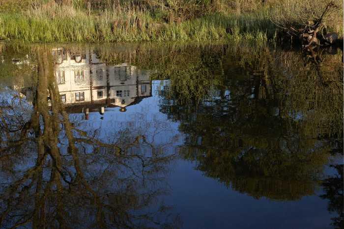 005 derwentbank reflected